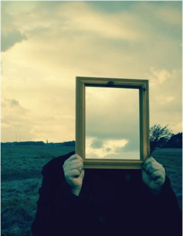 image of mirror and sky